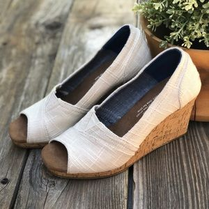 NEW Sand Toms Wedge Sandal Open Toe 5.5